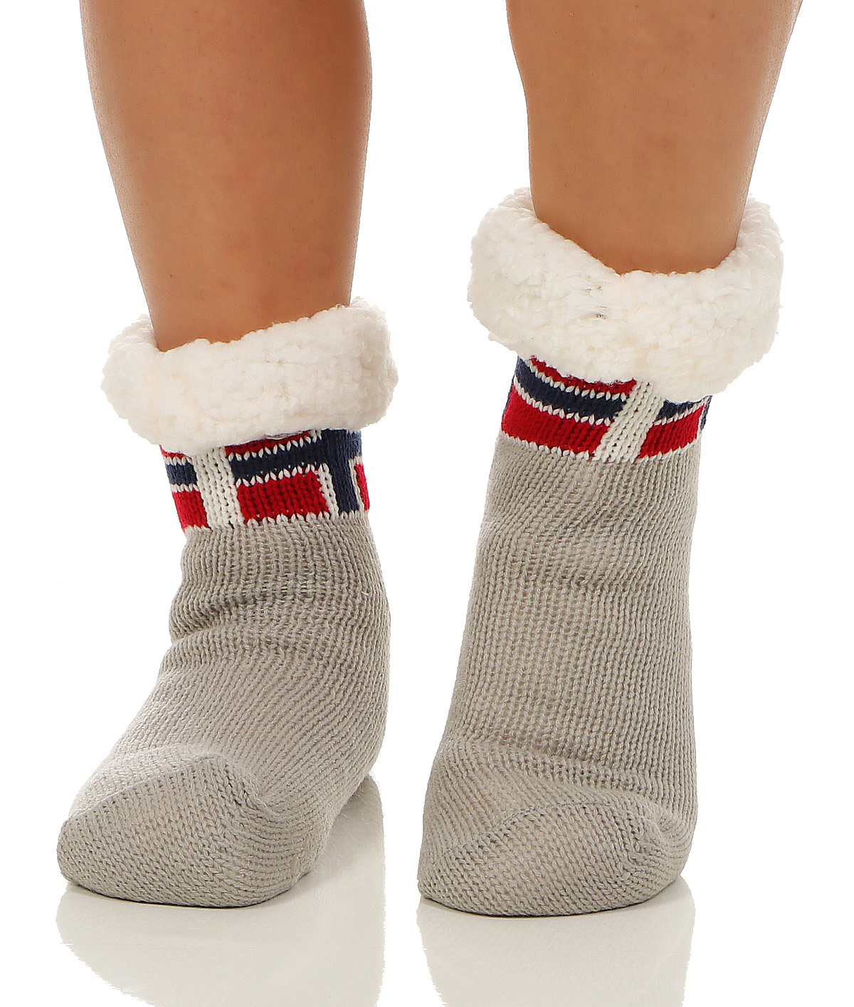 Socken von PUMA bieten Komfort und Stil für deine Füße.